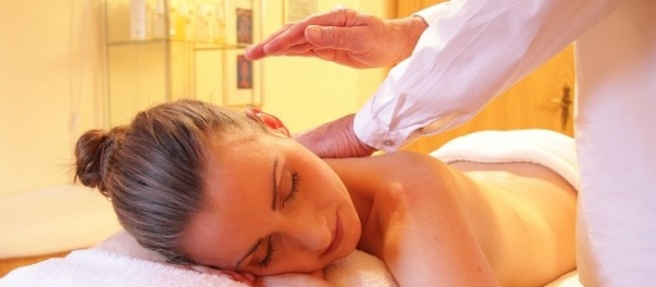 How massage therapy can help your health and well-being